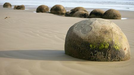 Oamaru House Bed and Breakfast-moeraki_boulders